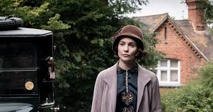 Who's Lucy Smith In The 'Downton Abbey' Movie? Tuppence Middleton's  Character Romances One Of Your Faves