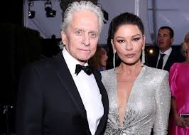 Catherine Zeta-Jones Stuns In Julien Macdonald With Lorraine ...