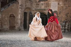 what did women wear in meval times