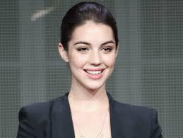 CW's 'Reign' Raises Adelaide Kane To TV Royalty – CBS San Francisco
