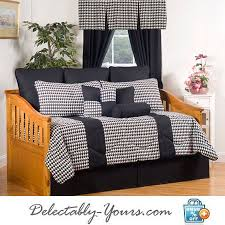 pillow shams an daybed sets
