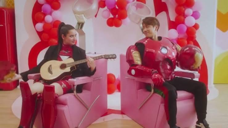 "STEPHANIE POETRI & JACKSON WANG RELEASE ""I LOVE YOU 3000 II"" MUSIC VIDEO ile ilgili görsel sonucu"