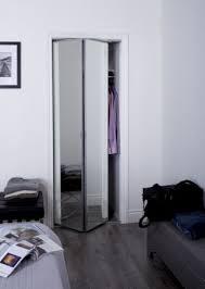 sliding bifold door with 1 beveled
