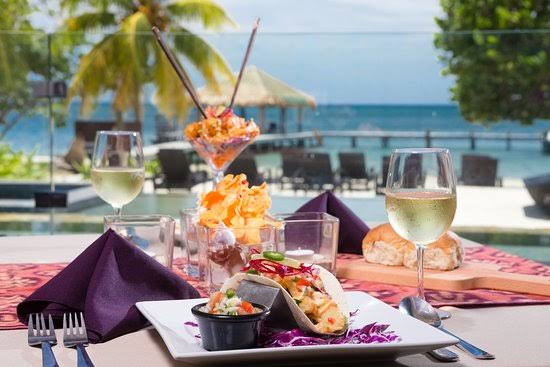 best restaurants in roatan, roatan all inclusive resorts