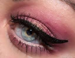 pink and gold eye makeup cat eye makeup