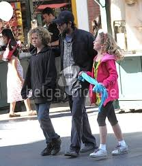 Luke with his kids Jack and Sophie - Luke Perry photo (12921273) - fanpop