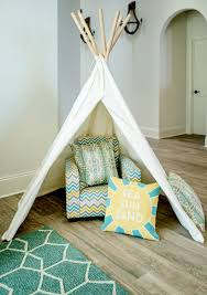 A Playful Tent And Kid Size Armchair Make The Living Room Feel Jessie James Decker S Beachy Home Is As Stylish As It Is Kid Friendly Popsugar Home Photo 3