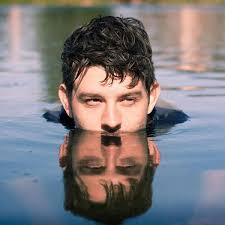 File:Aaron Morris Comedian in a lake.jpg - Wikimedia Commons