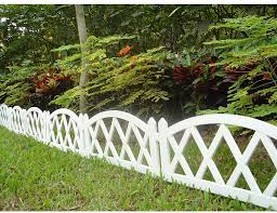 Amazon Com Worth Garden Plastic Fence Pickets Indoor Outdoor Protective Guard Edging Decor 3118 Garden Outdoor