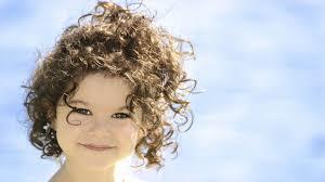 إليك بالصور اجمل قصات شعر اطفال بنات كيرلي