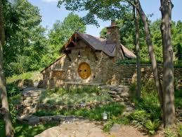 habiter une véritable maison de hobbit