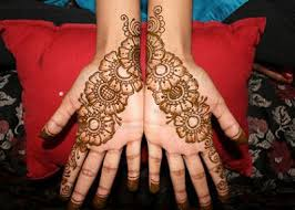 Bail Mehndi Design Simple In Front Hand