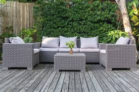 outdoor patio furniture to compliment