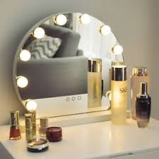 hollywood style vanity set with lighted