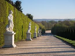 the gardens palace of versailles
