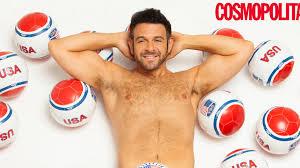 Man V Food's Adam Richman Poses Naked For Cancer After Shedding 70 ...
