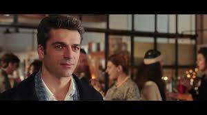 Poli opposti: trama, cast e trailer della commedia con Luca ...