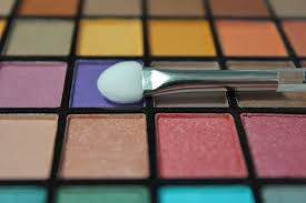 6 professional eyeshadow palettes from