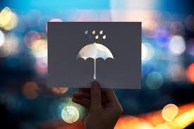 caption terbaik tentang hujan penikmat rindu