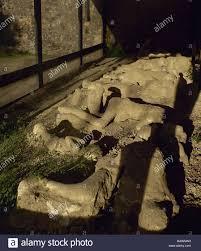 L'Italia. Pompei. Calchi in Gesso di vittima degli organismi presso il  giardino dei latitanti. I