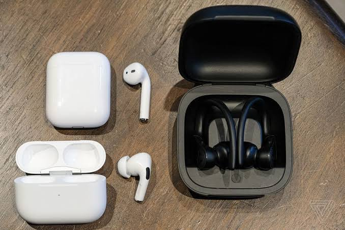 Image result for Apple AirPods Pro - HD Images""