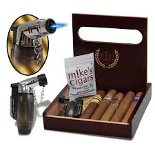 holiday cigar gift set with torch lighter