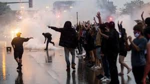 Minnesota violence: Clashes over death of black man in police ...