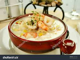 Delicious Thick Creamy Seafood Chowder ...