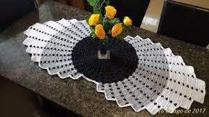 camino o centro de mesa a crochet paso