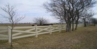 Pros And Cons Of Vinyl Fencing Mmc Fencing Railing