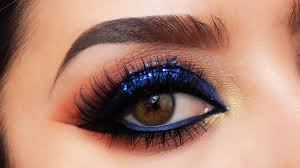 electric blue smokey eye makeup