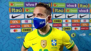 Everton Ribeiro comemora atuação com a 10 da Seleção: