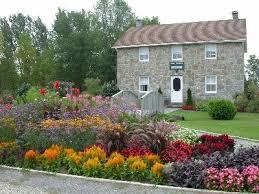 landscaping outdoor gardens design