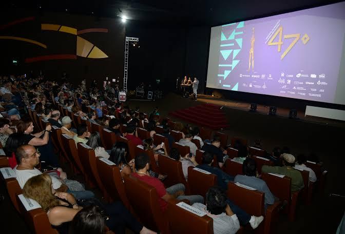 """Resultado de imagem para cinemas brasil"""""""