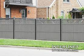 Wood Fence Painted Grey On Metal Posts Interunet