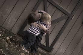 Fotos gratis : persona, chico, juntos, niños, fotografía, Hermanos ...