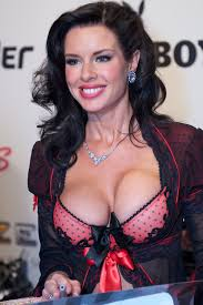 File:Veronica Avluv at AVN Adult Entertainment Expo 2012 2.jpg - Wikimedia  Commons