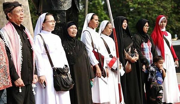 Afbeeldingsresultaat voor toleransi agama jawa