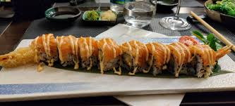 Tiger roll at my go-to spot! : sushi