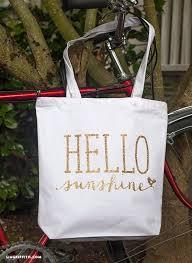 Pin By Lori Bloomer On Diy Vinyl Decal Ideas Summer Tote Bags Diy Bag Designs Diy Tote Bag