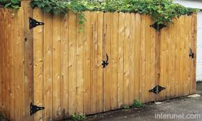 Simple Wood Gates Fence Picture Interunet Wood Gate Wooden Fence Gate Fence Gate Design