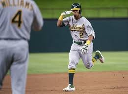 Khris Davis, A's agree to deal adding $33.75M for '20, '21