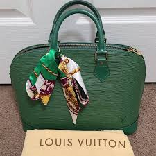 Lilian Smith Preowned Luxury Handbags - Home | Facebook