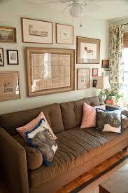 pretty ways to decorate with a brown sofa