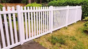 Vinyl Fence Install Spanaway Puyallup Wa Goodrow S Fencing Landscaping