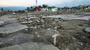 https://static.lexpress.fr/medias_12136/w_2038,h_1140,c_crop,x_0,y_58/w_480,h_270,c_fill,g_north/v1569475828/une-zone-restee-devastee-depuis-le-seisme-de-septembre-2018-a-palu-en-indonesie-le-23-septembre-2019_6214046.jpg