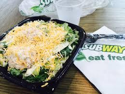 tuna salad calories subway