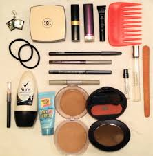 what do you put in your makeup bag