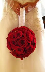 باقات ورد حمراء للعروس الراقية