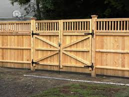 Wood Fence Double Gate Design Ideas With Wood Gate Materials By Good Quality Wood For Gate Lift Up Tight Privac Fence Gate Design Wooden Gate Designs Wood Gate